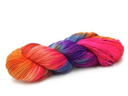 Hand-painted Carnaval Yarn Merino Blend Alegria A8726